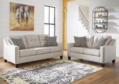 Antigo garnitúra egyedi tervezés gyártás hagyományos elegáns kényelmes puha szövet törtfehér tűzött díszszeg faláb