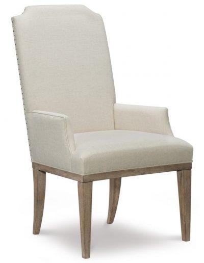 Carson szék egyedi tervezés gyártás hagyományos elegáns kényelmes karfás szövet törtfehér faláb