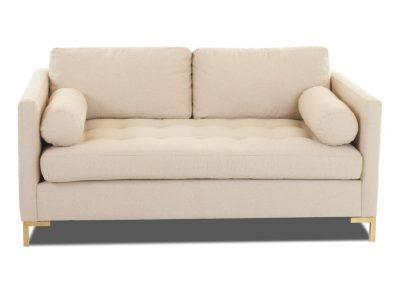 Trend Chester kanapé egyedi tervezés gyártás hagyományos elegáns kényelmes szövet bézs tűzött fémláb