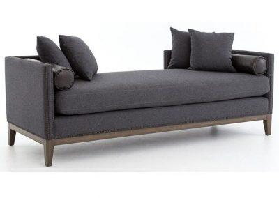 Trend Culver sezlony egyedi tervezés gyártás hagyományos elegáns kényelmes puha szövet szürke díszszeg faláb