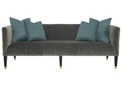 Trend Fallon kanapé egyedi tervezés gyártás hagyományos elegáns kényelmes puha plüss szürke párna választható faláb