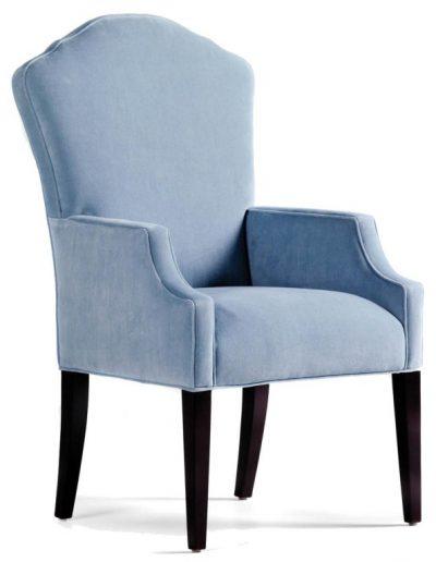 Fort Carson szék egyedi tervezés gyártás hagyományos elegáns kényelmes karfás velúr világoskék faláb