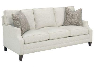 Trend Fresno kanapé egyedi tervezés gyártás hagyományos elegáns kényelmes puha szövet törtfehér párna választható faláb