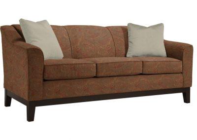 Tradicionális Hanover kanapé egyedi tervezés gyártás hagyományos elegáns kényelmes puha szövet barna mintás faláb