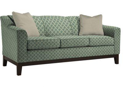 Tradicionális Hanover kanapé egyedi tervezés gyártás hagyományos elegáns kényelmes puha szövet zöld mintás faláb