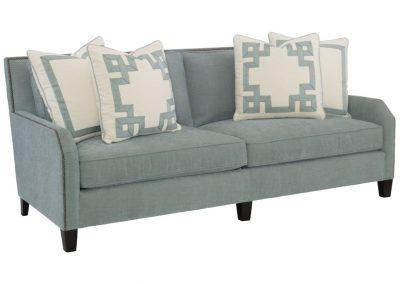 Trend Ludlow kanapé egyedi tervezés gyártás hagyományos elegáns kényelmes puha szövet türkiz díszszeg faláb