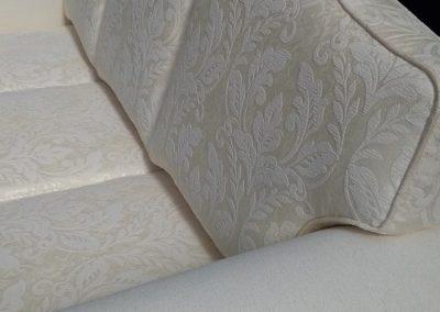 Málta bársony kanapé