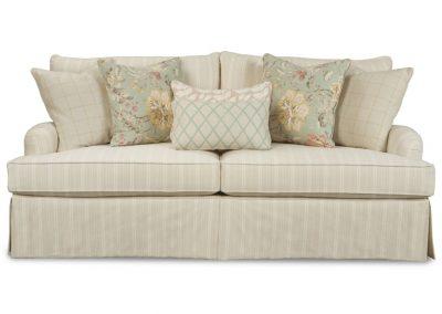 Tradicionális Madison kanapé egyedi tervezés gyártás hagyományos elegáns kényelmes puha szövet bézs csíkos szoknyás