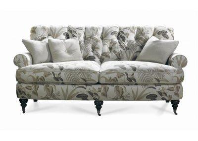 Trend Malin kanapé egyedi tervezés gyártás hagyományos elegáns puha szövet drapp levél mintás mélytűzött görgős faláb