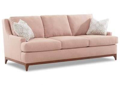 Trend Roseville kanapé egyedi tervezés gyártás hagyományos elegáns kényelmes puha szövet púder rózsaszín faláb