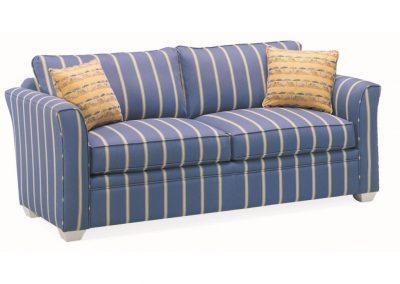 Tradicionális St Clair kanapé egyedi tervezés gyártás hagyományos elegáns kényelmes puha szövet kék csíkos faláb